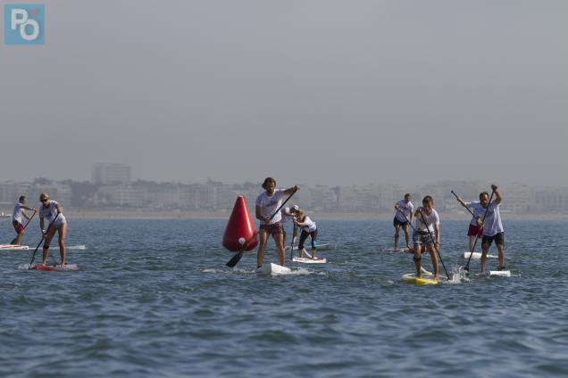 Le stand-up paddle fait de plus en plus d'adeptes.