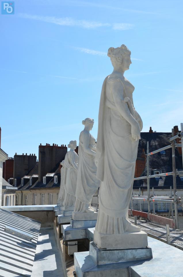 Les huit muses de l'architecte Dominique Molknecht font référence à la mythologie grecque.