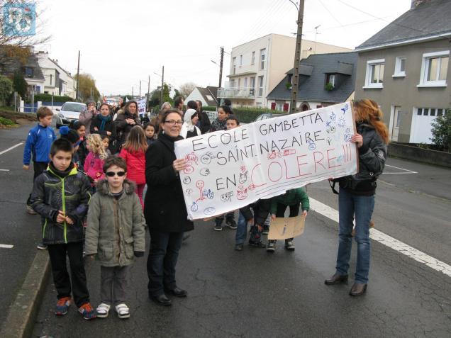 Les enseignants des deux écoles sont en grève ce jeudi.