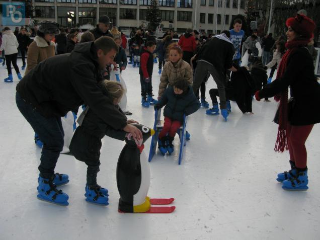 La patinoire synthétique a été prise d'assaut dès son ouverture hier après-midi.