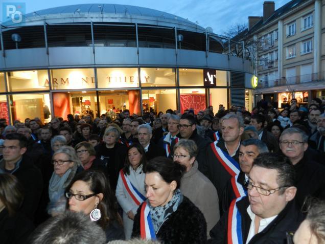 700 personnes se sont rassemblées mercredi soir.