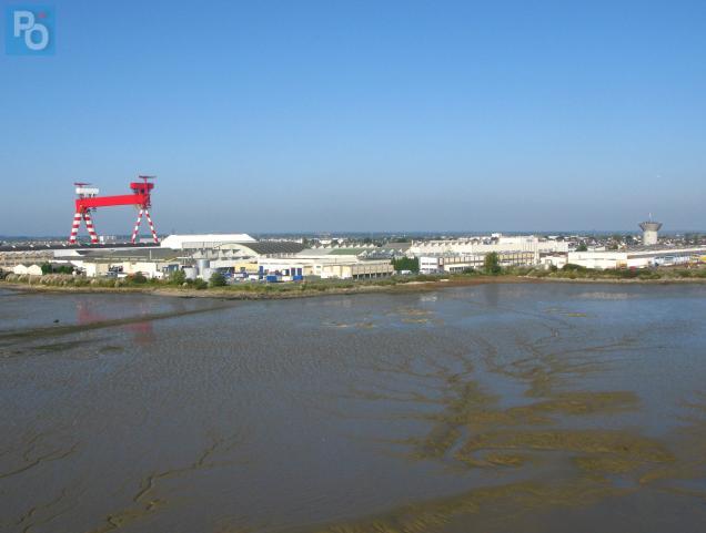La vasière de Méan est située sur le site du Grand Tourteau, entre le pont de Saint-Nazaire et le chantier STX.