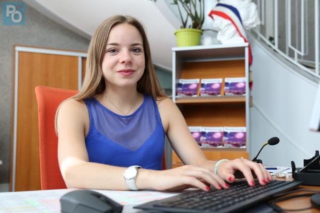 Cindy Jamet, agent d'accueil à la Mairie principale
