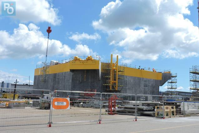 La construction du flotteur en béton se termine quai des Charbonniers.