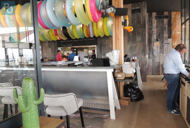 saint nazaire le restaurant bar la plage ouvre ses portes lundi matin presse oc an. Black Bedroom Furniture Sets. Home Design Ideas